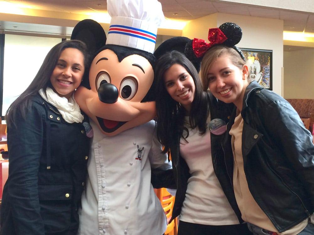 Veja 6 cafés da manhã com personagens na Disney que você precisa conhecer!
