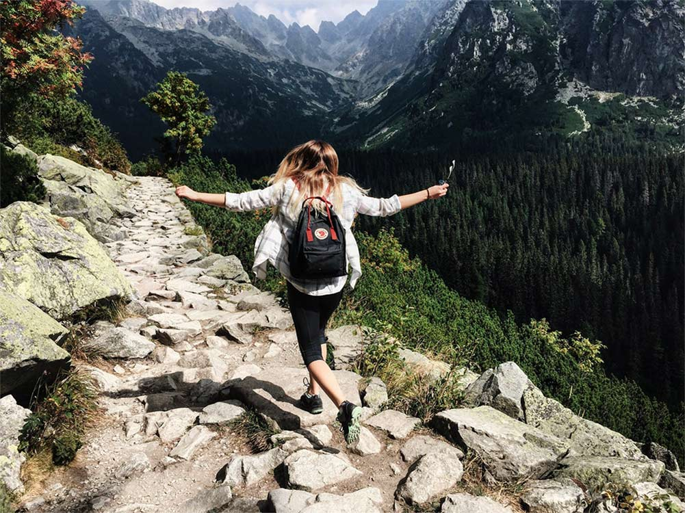Descubra como perder o medo de viajar sozinha com essas 5 dicas práticas!