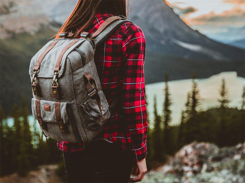 Pensando em comprar um mochilão de viagem? Descubra como escolher o ideal para você nesse post e veja dicas sobre como organizá-lo e melhores marcas!
