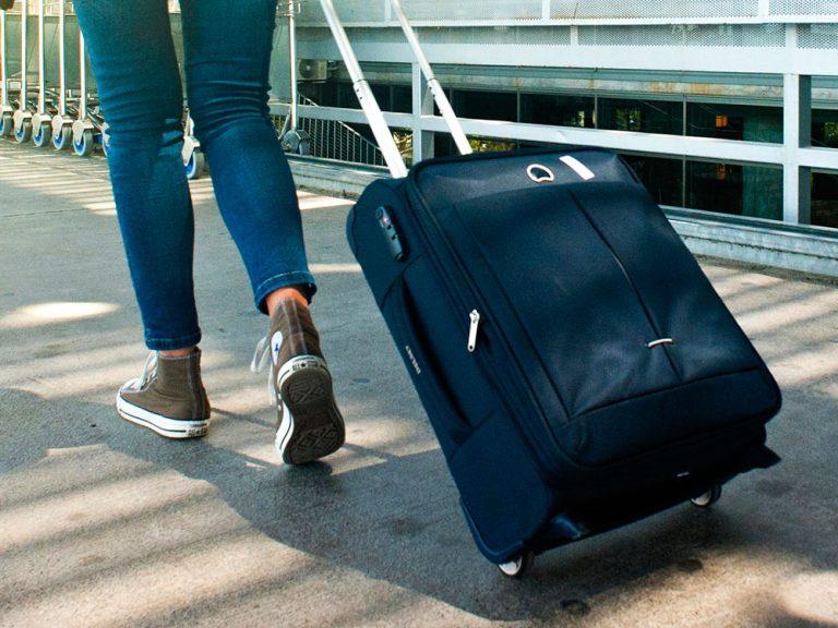 Veja dicas sobre o que levar na mala de viagem nesse post! Dicas sobre o que colocar em cada mala e uma lista completa!