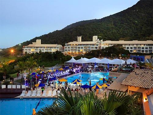 Descubra onde se hospedar em Florianópolis nesse post! Dicas dos melhores resorts, hotéis e hostels!