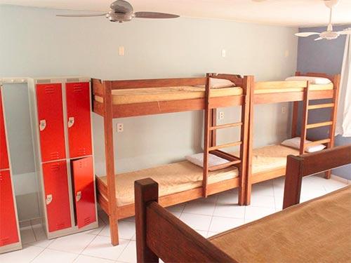 Descubra onde se hospedar em Florianópolis nesse post! Dicas dos melhores hotéis e hostels em todas as partes da ilha!