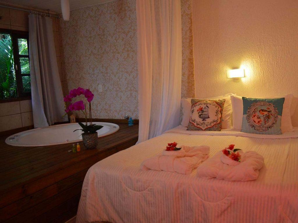Descubra onde se hospedar em Florianópolis nesse post! Dicas dos melhores hotéis e pousadas na Lagoa da Conceição e em outras áreas!