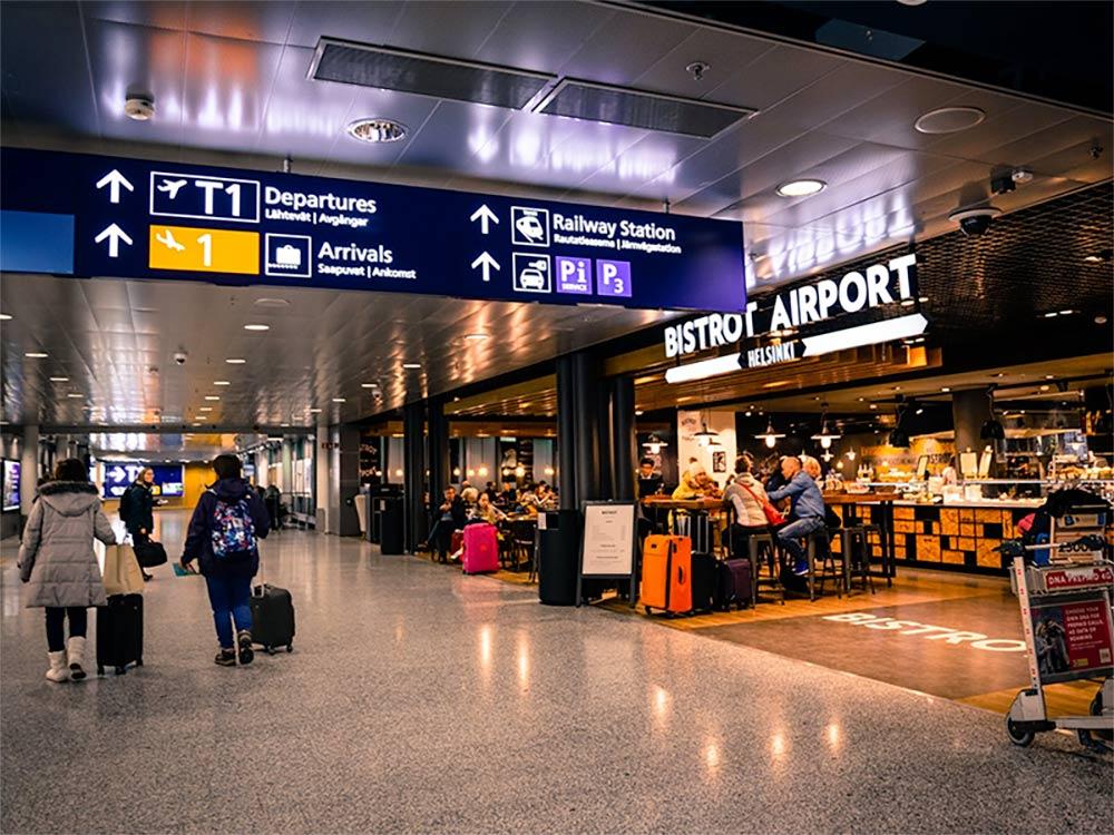 Aprenda como chegar nos principais aeroportos de Nova York usando o transporte público! Dicas para o JFK, La Guardia e Newark!