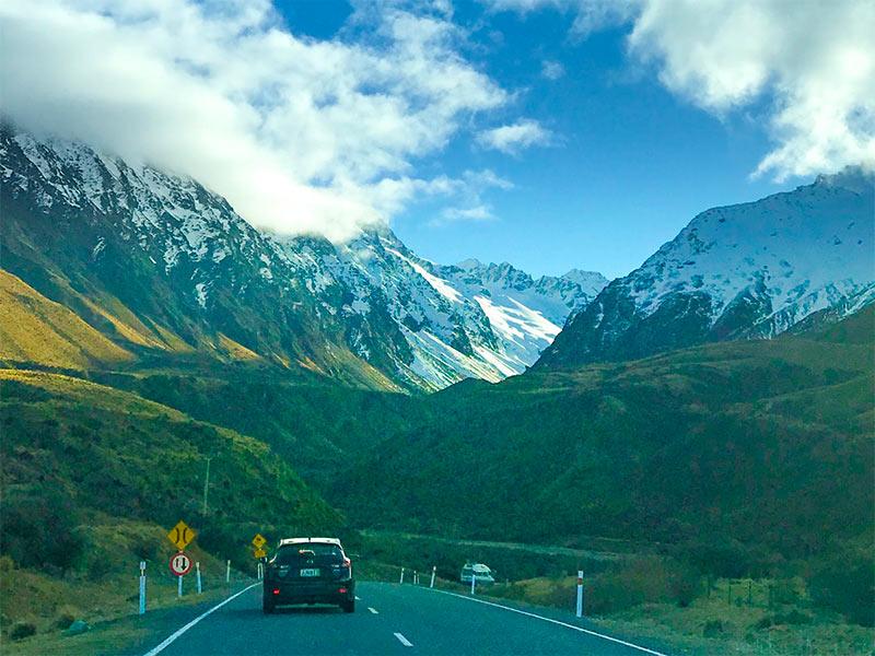 Vai fazer uma viagem de carro? Então leia esse post com 7 dicas essenciais, sugestões de como montar seu roteiro e melhores destinos para sua aventura!