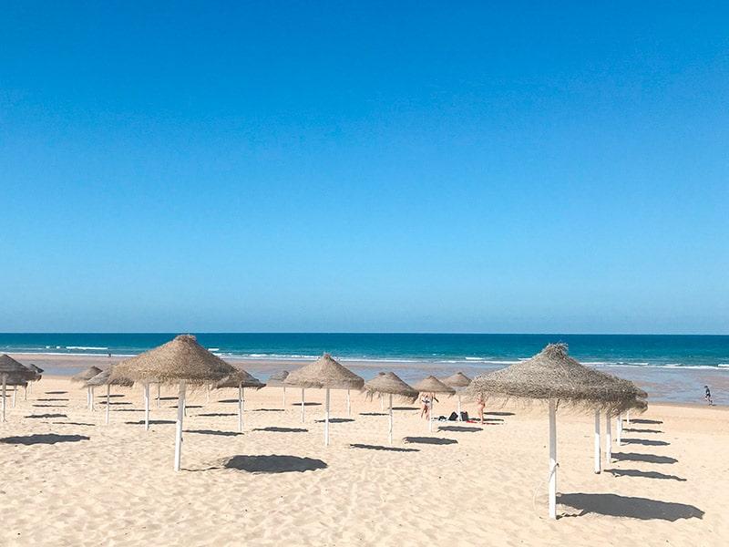 Uma das praias da Costa da Caparica. Conheça essa ótima região de praias próxima a Lisboa nesse post!