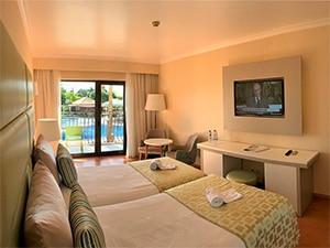 O Hotel Baia é uma opção de ótimo custo-benefício para quem quer ficar perto da praia em Lisboa.